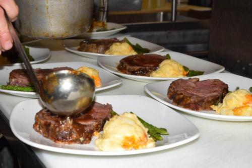 prime rib plated up